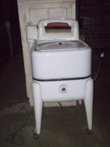 antique-washing-machine
